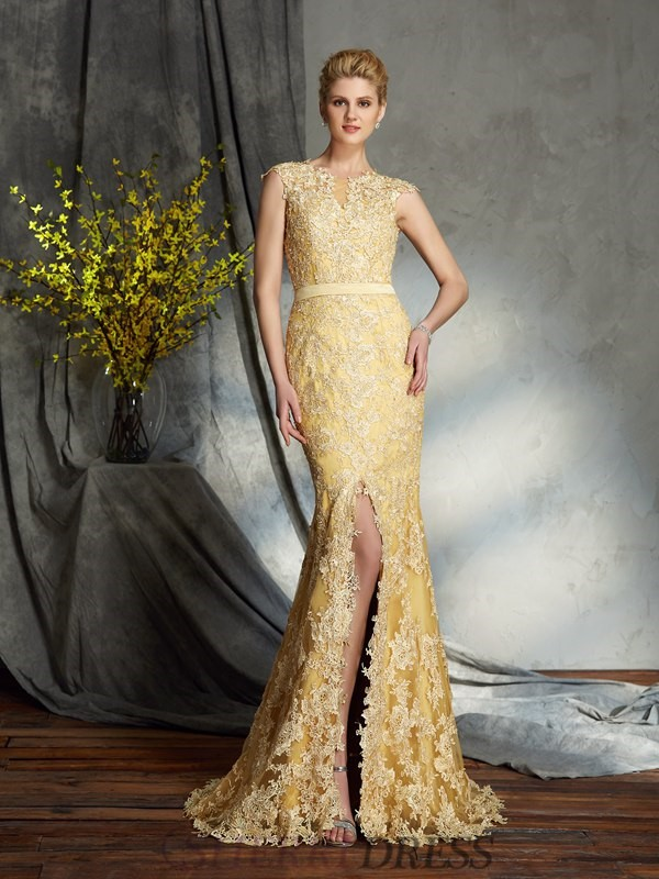 b99f5be3e3c Trumpet Mermaid Scoop Lace Sleeveless Sweep Brush Train Mother of the Bride  Dresses