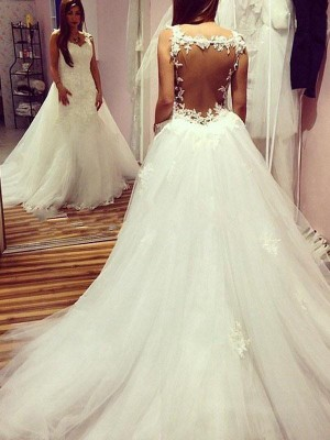 Ball Gown Sweetheart Tulle Sleeveless Chapel Train Wedding Dresses