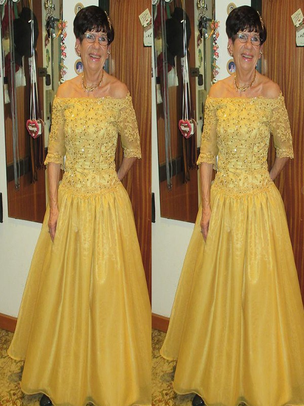 A-Line/Princess Off-the-Shoulder Tulle 1/2 Sleeves Floor-Length Mother of the Bride Dresses