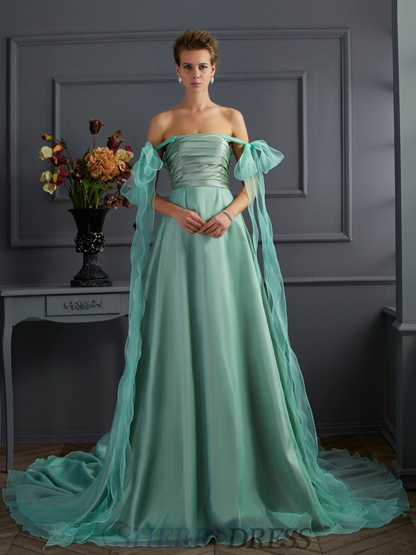 A-Line/Princess Off the Shoulder Taffeta Sleeveless Chapel Train Dresses