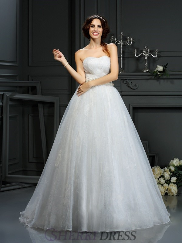 A-Line/Princess Sweetheart Organza Sleeveless Court Train Wedding Dresses