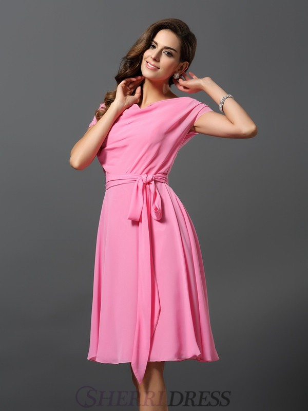 A-Line/Princess Scoop Chiffon Short Sleeves Knee-Length Bridesmaid Dresses