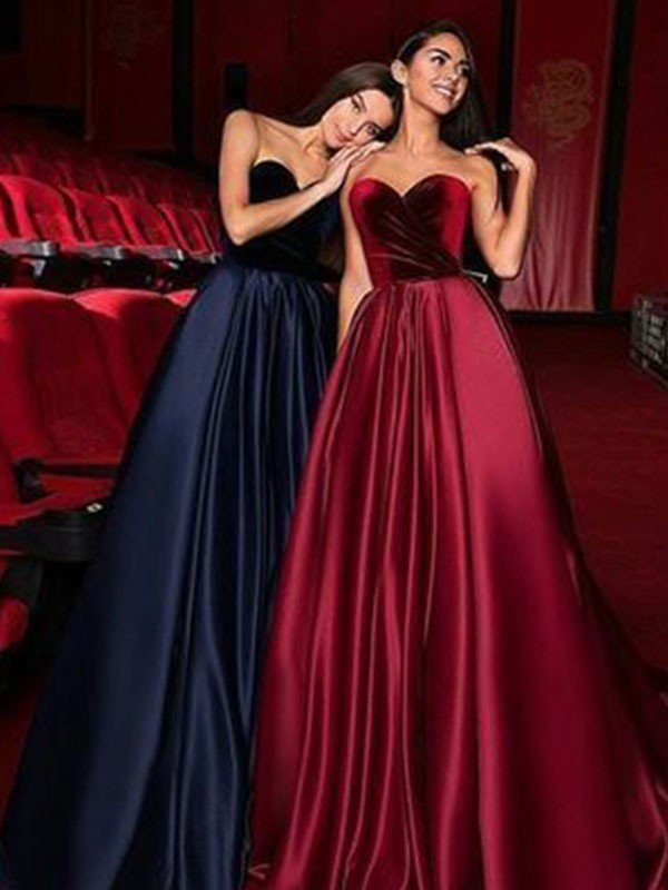 A-Line/Princess Sweetheart Satin Sleeveless Court Train Dresses