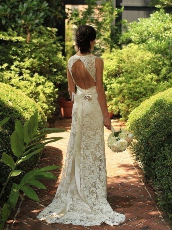 Sheath/Column V-neck Lace Sleeveless Sweep/Brush Train Wedding Dresses