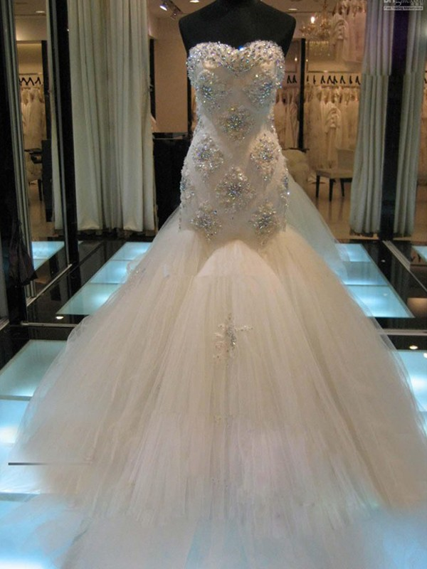 Trumpet/Mermaid Sweetheart Tulle Sleeveless Court Train Wedding Dresses