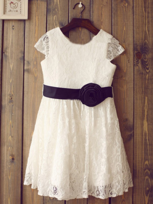 A-Line/Princess Scoop Lace Short Sleeves Tea-Length Flower Girl Dresses